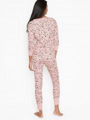 Růžové pyžamo s dlouhým rukávem