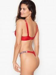 Sexy červená tanga s kamínky s nápisem Victorias Secret
