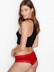 Červené bavlněné kalhotky s krajkou po oobvodu
