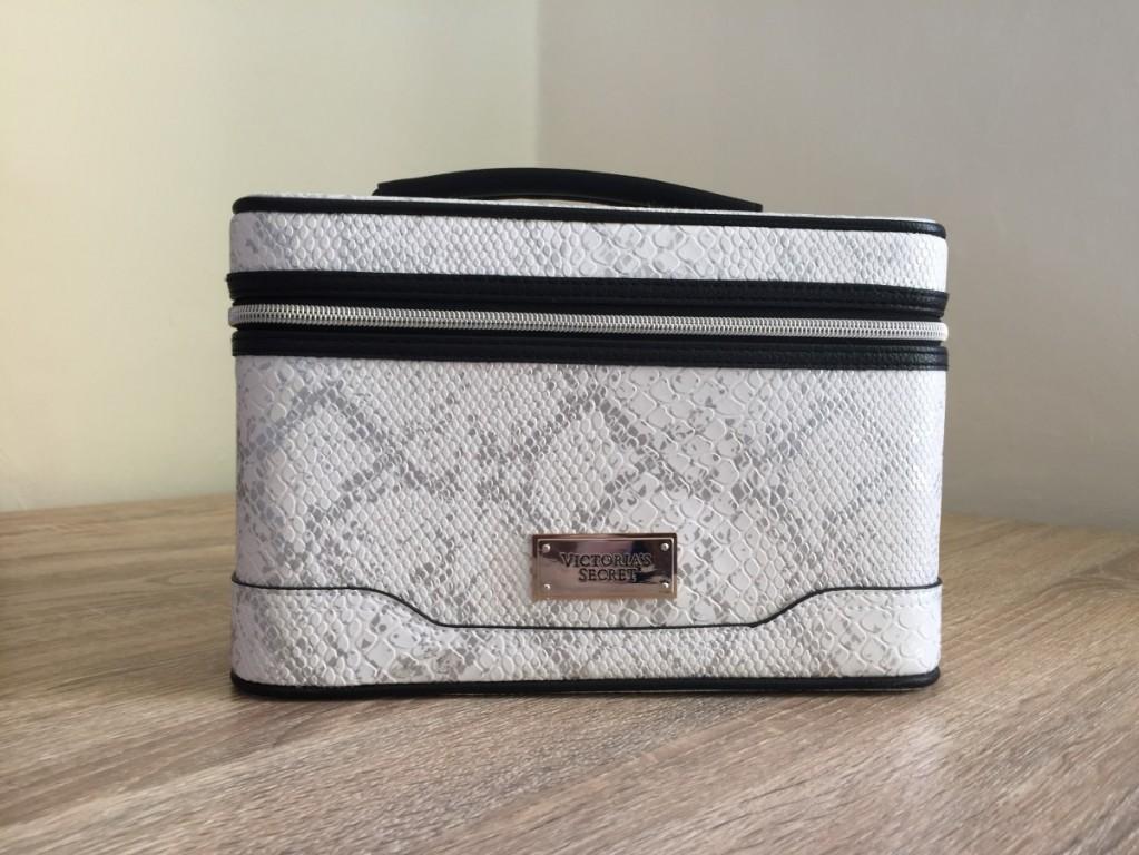 Pevný kosmetický kufřík Victoria's Secret Hard Travel Case