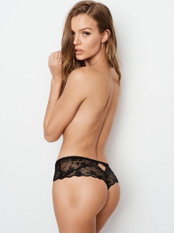 Krajková tanga Lace Dot Mesh Hipster Thong Panty černá