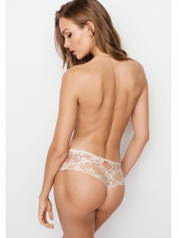 Krajková tanga Lace Dot Mesh Hipster Thong Panty
