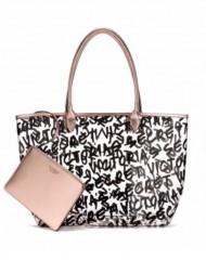 Průhledná taška s nápisy Victorias Secret
