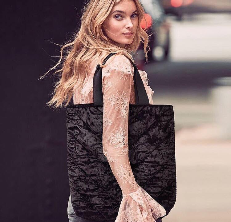 Sametová taška Victoria's Secret černá