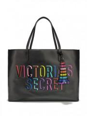 Černá koženková kabelka s duhovým nápisem Victorias Secret