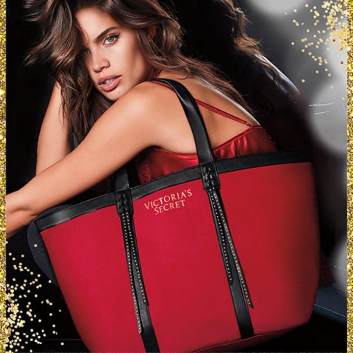 Červená plátěná taška Victoria's Secret Fringe Tote