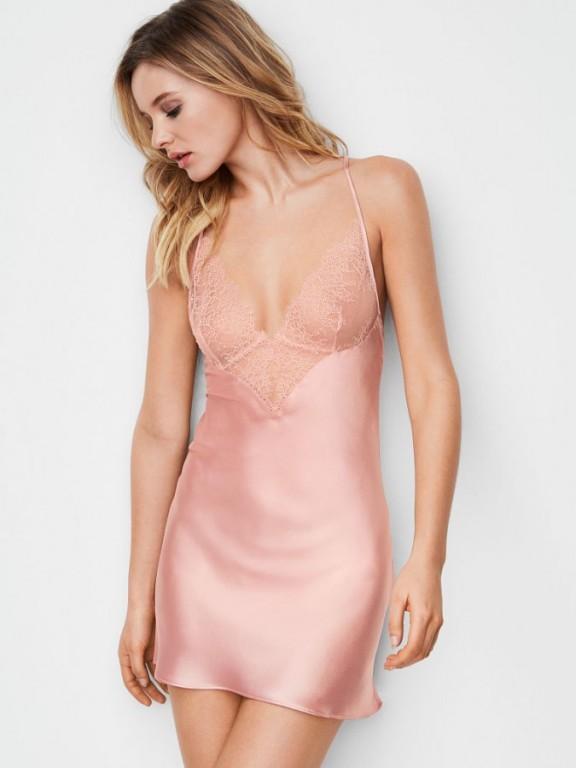 Victoria's Secret noční košilka Chantilly Lace & Satin Slip růžová