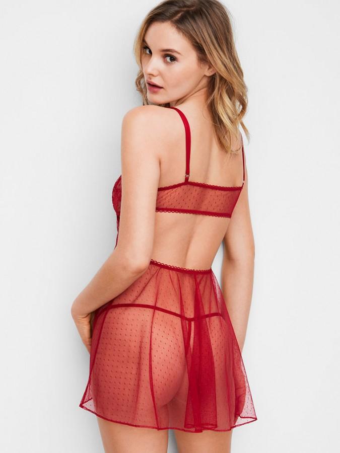 d217b4e36 Krajková košilka + V-String tanga · Sexy průsvitná košilka Victorias Secret