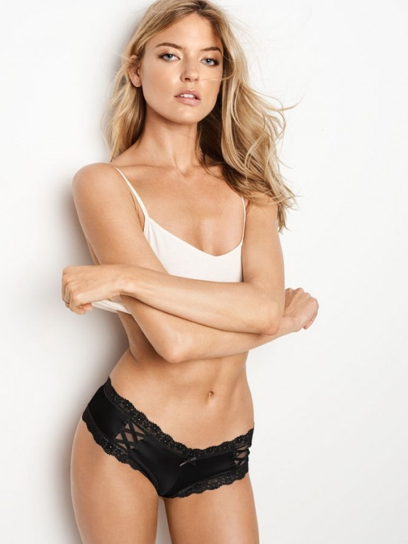 Victoria's Secret sexy černé brazilské kalhotky Lace & Mesh Cheeky Panty