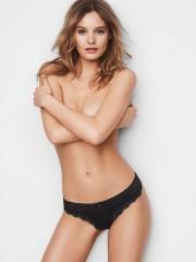 Luxusní černá tanga Victorias Secret s výšivkou
