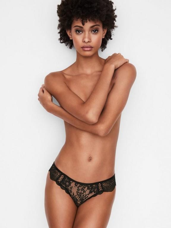 Victoria's Secret luxusní krajková tanga Floral Lace Thong černá