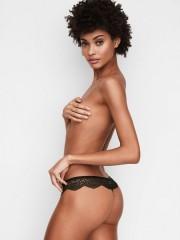 Luxusní černá tanga Victorias Secret z háčkované krajky