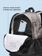 Střední kapsa na zip s organizérem na menší předměty