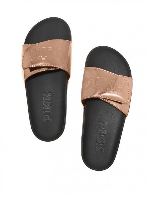 Victoria's Secret zlaté dámské pantofle Crossover Comfort Slide