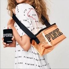 Lesklá zlatá chladící taška Victorias Secret PINK