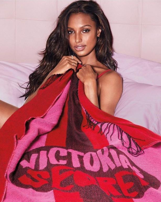 Victoria's Secret hřejivá deka Throw Cozy Blanket