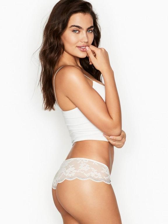 Victoria's Secret luxusní krajková tanga Scalloped Lace Hipster Thong Panty bílá