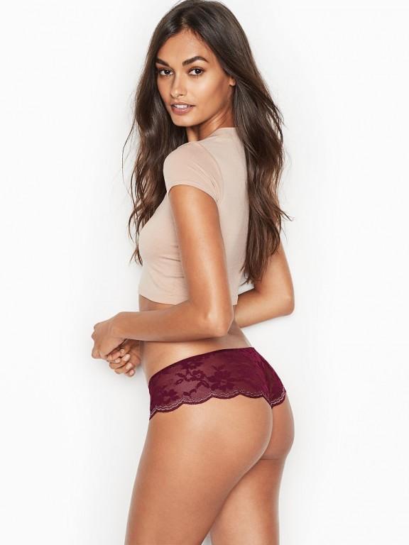 Victoria's Secret luxusní krajková tanga Scalloped Lace Hipster Thong Panty vínová