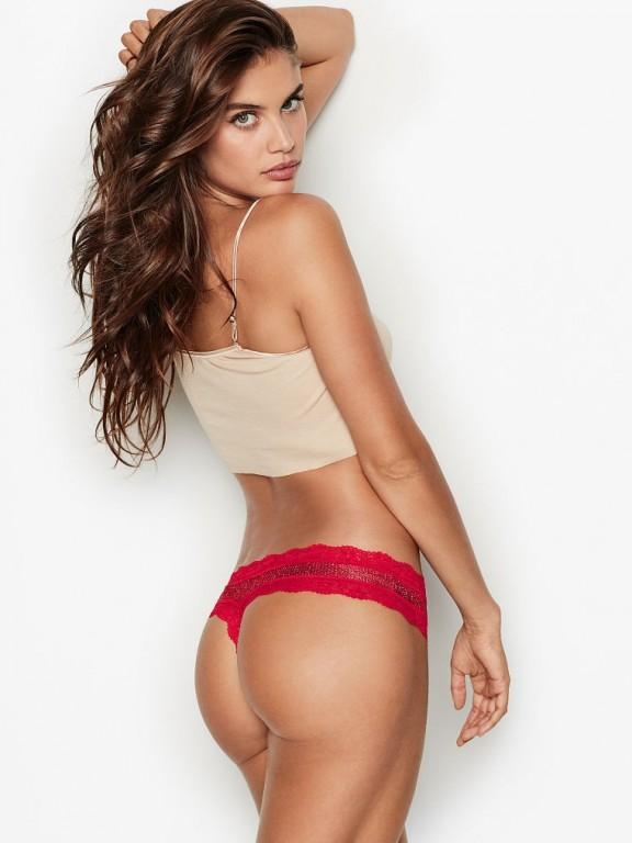 Victoria's Secret luxusní třpytivá červená tanga Glitter Thong Panty