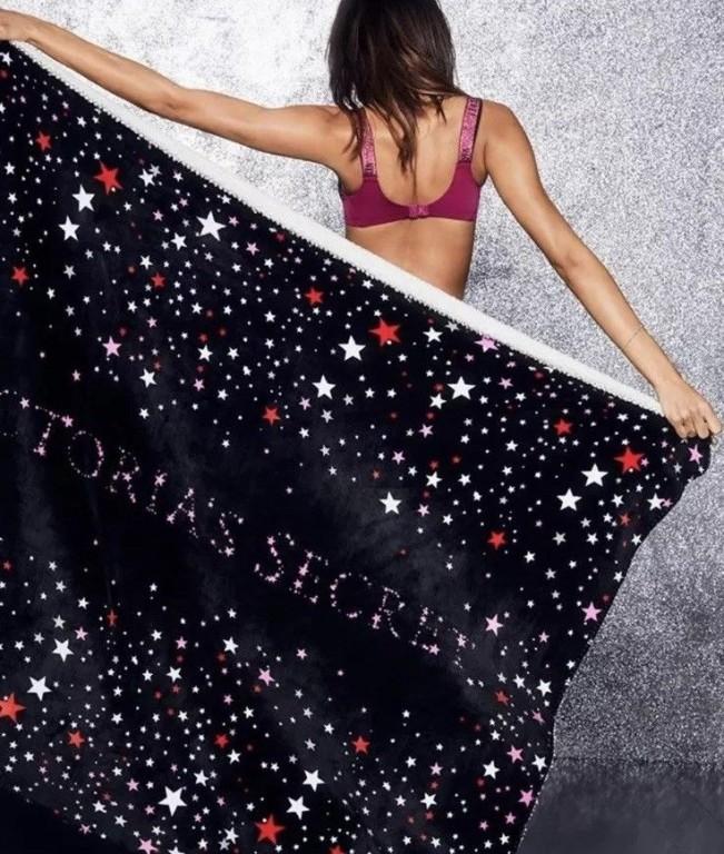 Victoria's Secret velká hřejivá deka Sherpa Blanket