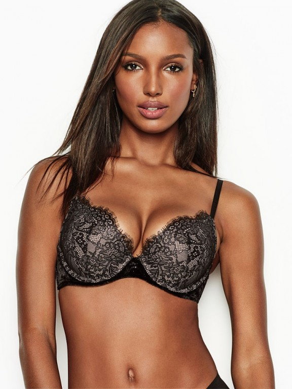Victoria's Secret černá sexy push-up podprsenka Very Sexy Push-Up Bra