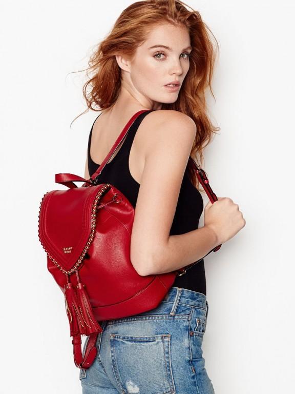 Victoria's Secret červený koženkový batůžek Ball Stud Flap Backpack