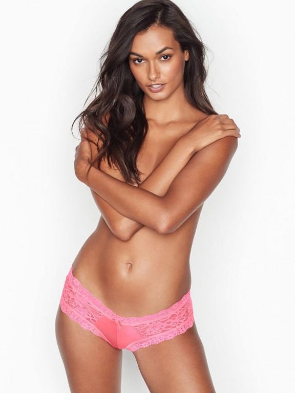 Victoria's Secret luxusní růžové brazilské kalhotky Lace Cheeky Panty