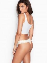 Victorias Secret sexy krémová tanga s krajkovými detaily